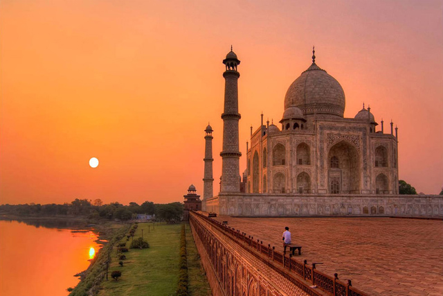 Agra Tour with Car rental